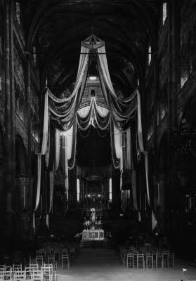 il Duomo di Parma addobbato negli ani 50 in occasione di due venute a Parma della Madonna di Fontanellato