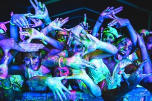 The_glow_paint_war