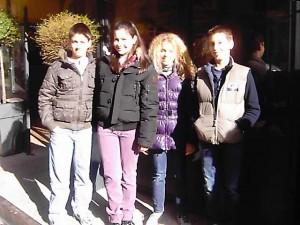 """Gli alunni della Media Zani sul canale satellitare MTV Nickelodeon, per la prima puntata del mistery game """"Avventura di paura"""" nel castello di Bardi."""