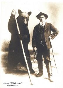 """Cartolina orso """" Museo Gli Orsanti """""""